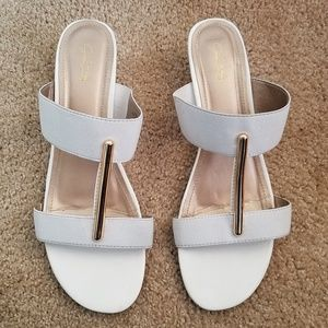 Jaclyn Smith Slip-on Sandals Shoes White Size 9